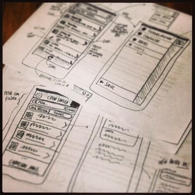 Sketches da versão mobile da plataforma.