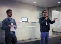 Pedro Belleza e eu on the stage, apresentando o evento.
